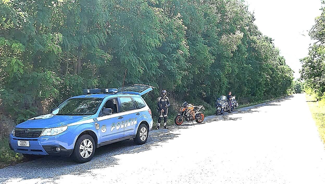 Giro di vite della polizia stradale per il contrasto della velocità sulle arterie stradali delle località turistiche