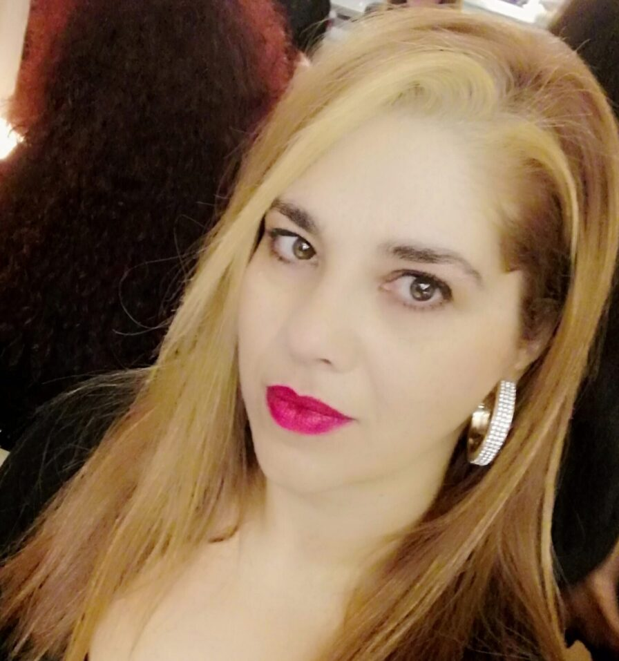 """La poetessa Romana Laura Tommarello presenta la sua raccolta poetica dal titolo """"Nascosta"""""""