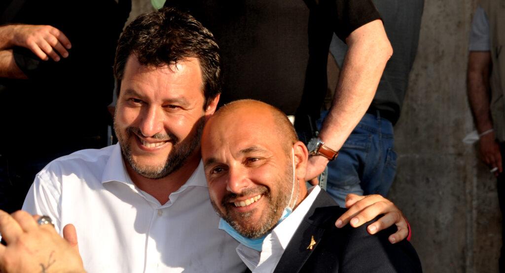 Una relazione del 2018 dell'allora Ministro Salvini, riporta l'elenco delle società accreditate per accogliere i migranti in Marsica, fra queste, anche quella dei 25 arrivati questa notte