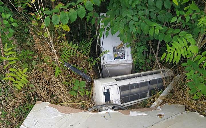 A Scurcola Marsicana c'è anche chi i rifiuti abbandonati li raccoglie