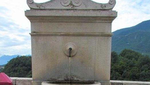 Divieto di usare l'acqua di due fontane pubbliche di Capistrello