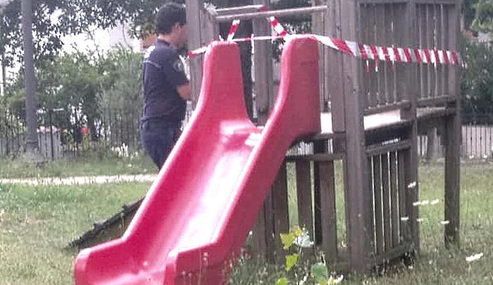 Giochi per bambini poco sicuri, si interviene a Pero dei Santi
