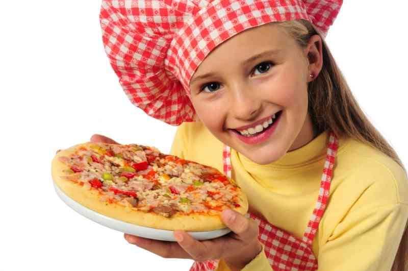 Scurcola Marsicana, corso su come fare pane e pizza per i bambini di 'E...state insieme'