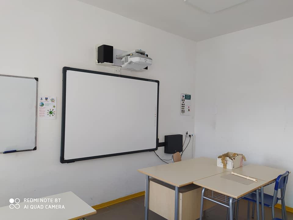 La scuola media di Aielli innovativa con le lavagne interattive multimediali