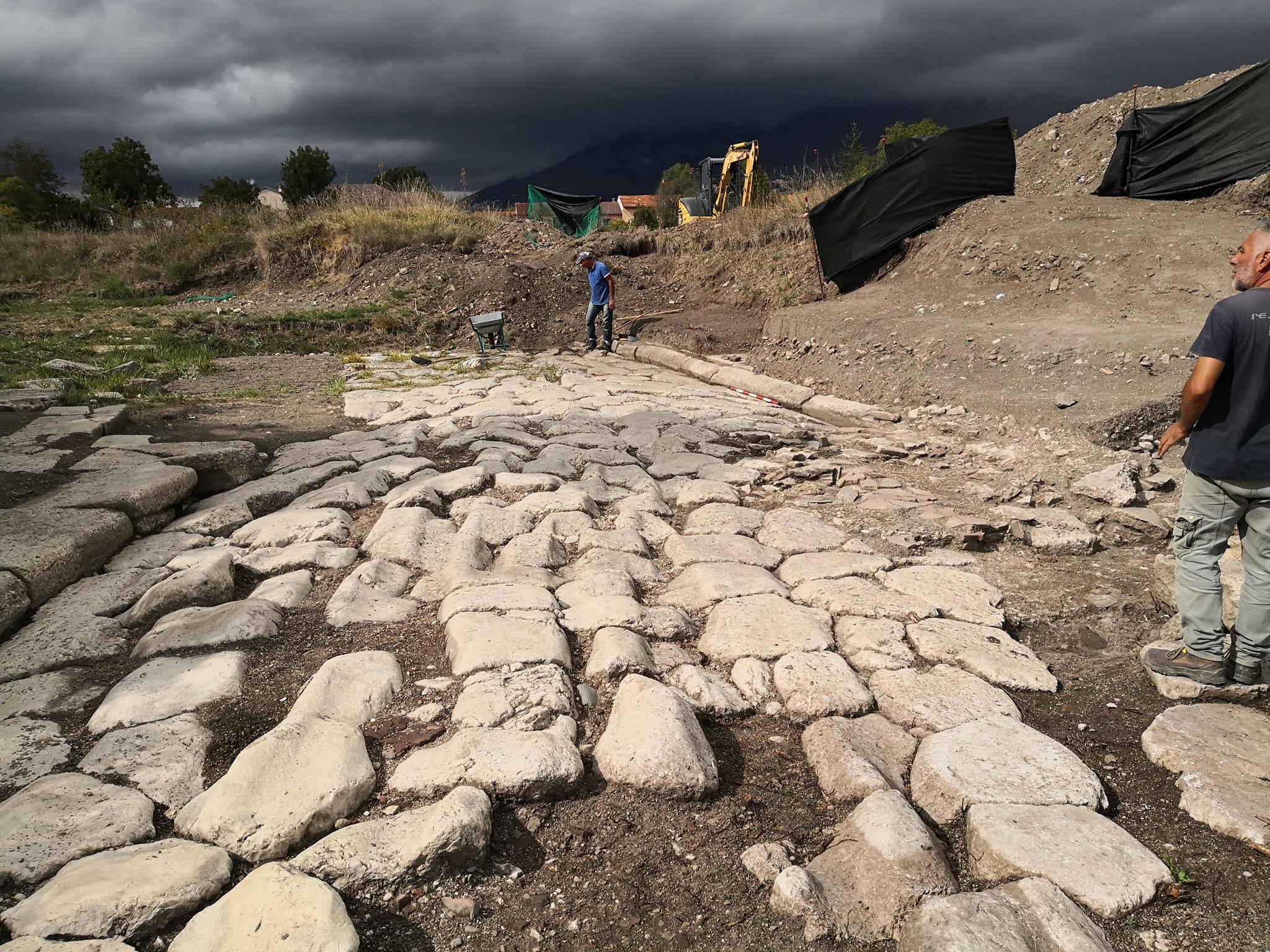 Area archeologica di Alba Fucens, a breve l'apertura della via verso il Foro