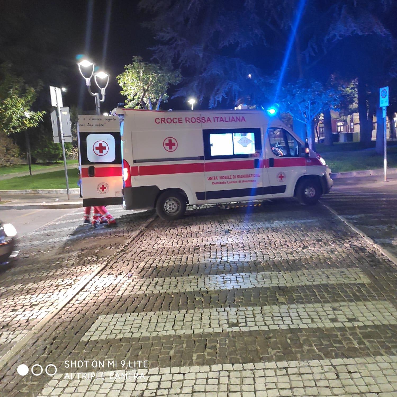 Soccorso un uomo ferito nel piazzale della stazione di Avezzano