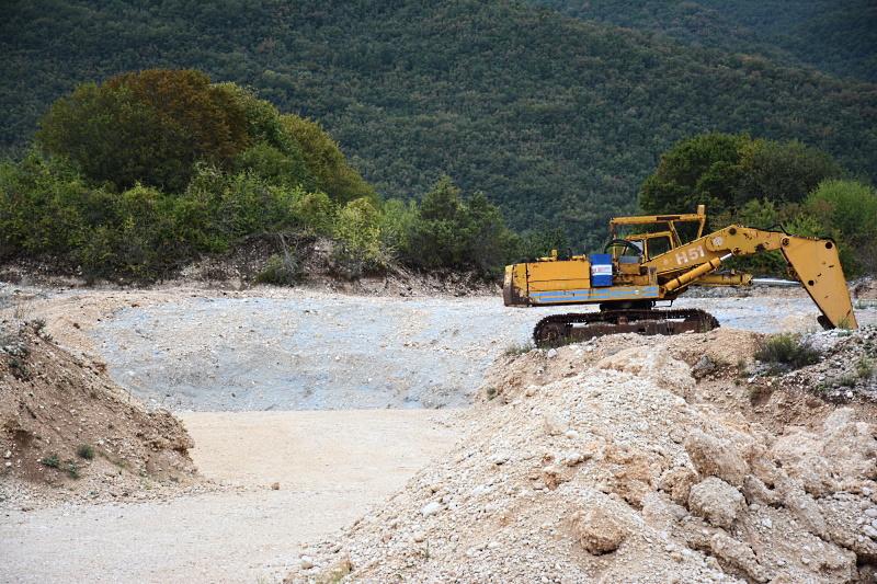 75.000 tonnellate di rifiuti per tombare la cava a Collelongo. Forum H2O: rigettare immediatamente e obbligare alla bonifica