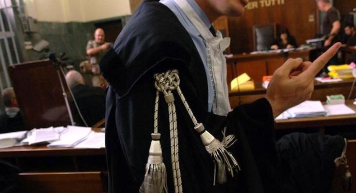 """""""Stia zitto, non mi interrompa"""" a magistrato durante l'udienza, marsicana a processo"""