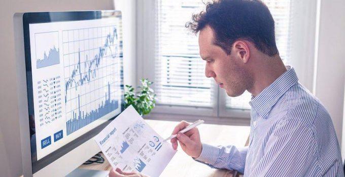 Investire in Borsa: quali sono i fattori da valutare quando si opera nei mercati finanziari