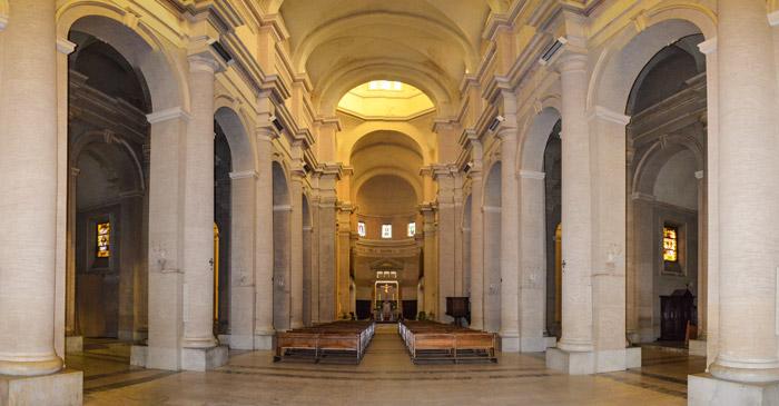 """Bambino bestemmia in Cattedrale durante la messa. Don Claide: """"è il fallimento del modello educativo"""""""