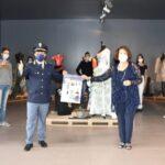 La Polizia di stato con gli studenti il primo giorno di scuola
