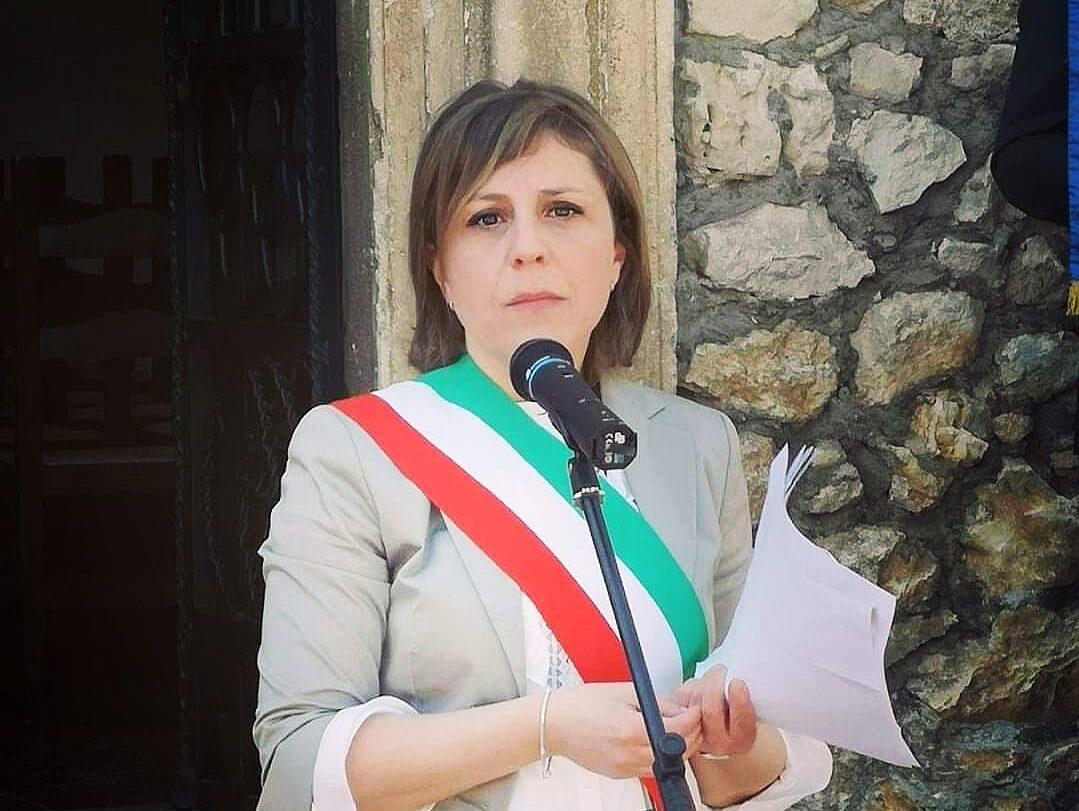 Il Sindaco di Collelongo Salucci invita la cittadinanza ad uscire il meno possibile
