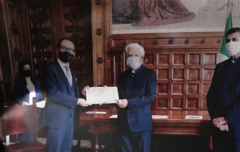 Collarmele, Don Franscesco Tudini riceve un riconoscimento dal ministro Bonafede