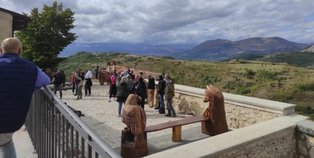 Ancora una domenica piena di turisti ad Aielli