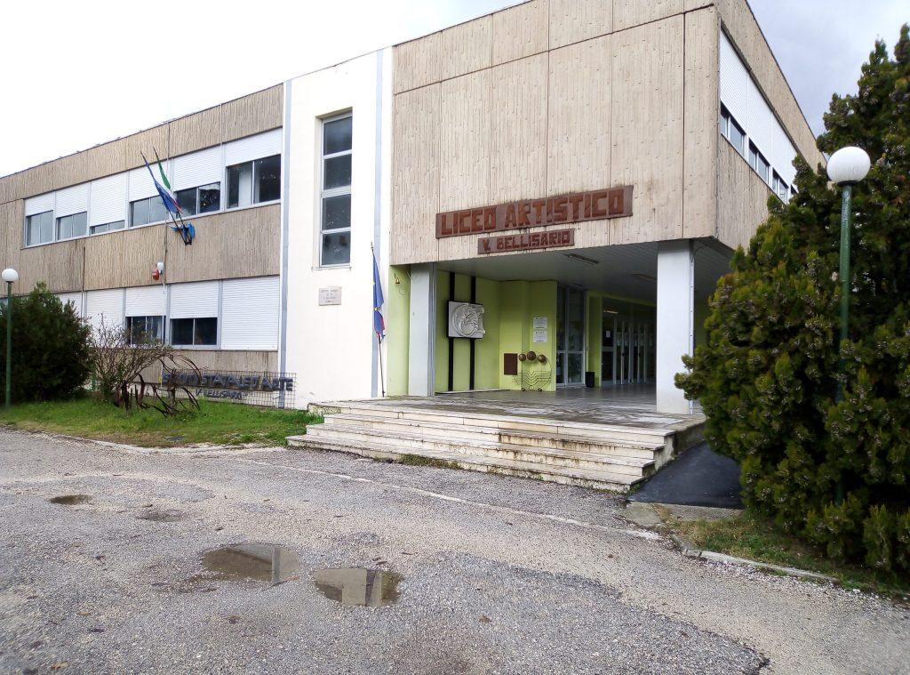 Sciopero degli studenti del Liceo Artistico di Avezzano, probabile caso positivo al Covid-19 tra i docenti