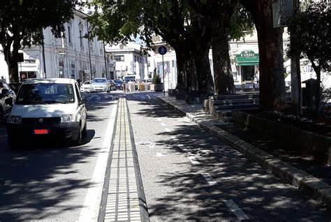 Pista ciclabile di Avezzano, il Comitato Mobilità Sostenibile Marsicana-Fiab interviene sulla questione dei cordoli della pista