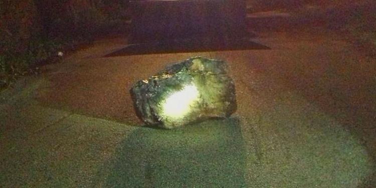 Rimosso un masso caduto su una strada di Balsorano