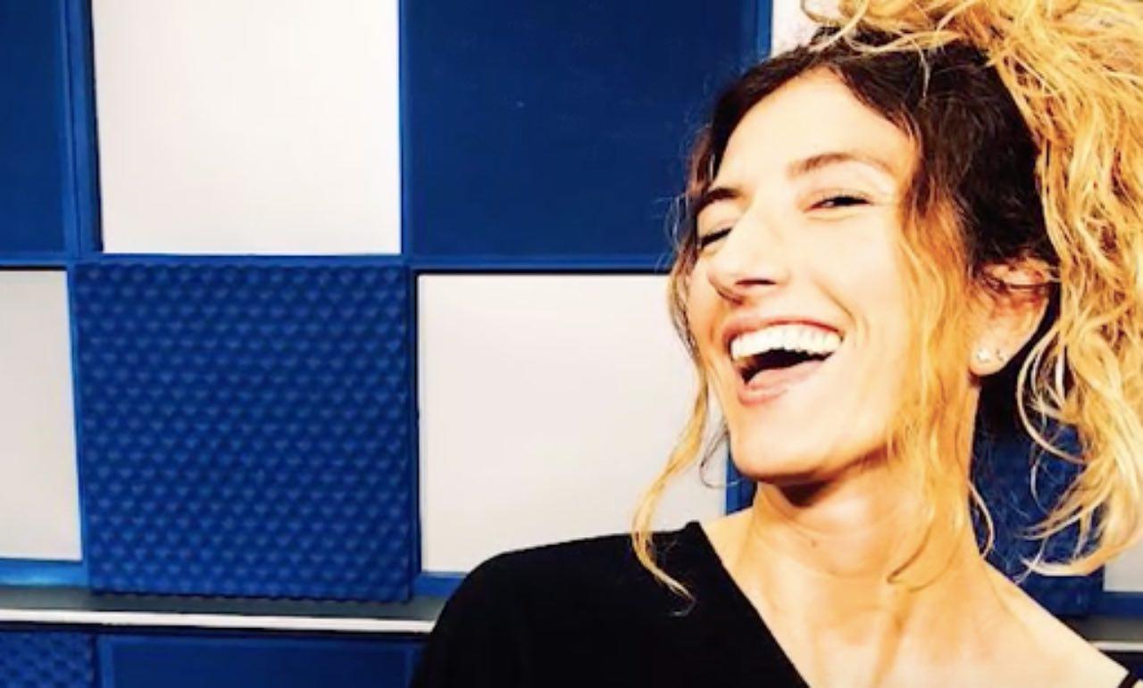 """La Lupa avezzanese Nina Palmieri al posto di Giulio Golia, positivo al Covid-19, nella conduzione de """"Le Iene Show"""""""