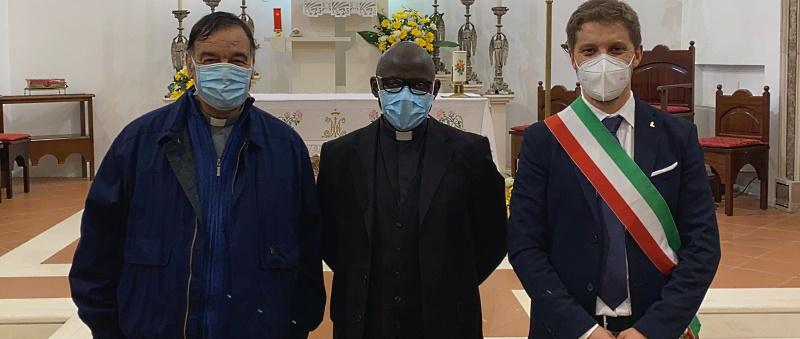 Benvenuto padre Joseph. A Opi è arrivato il nuovo parroco