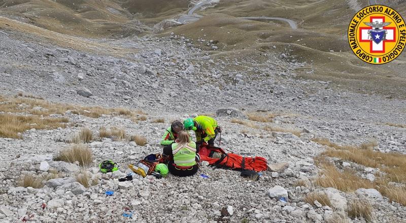 Grave un giovane escursionista romano precipitato da 50 metri a Campo Imperatore