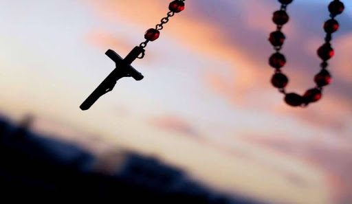 """Fa tappa a L'Aquila """"Prega con noi"""", il rosario per l'Italia trasmesso su TV2000"""