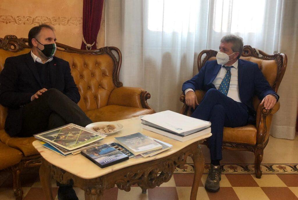 """Visita istituzionale dell'Assessore Regionale Liris al Sindaco Di Pangrazio: """"Assicurata la massima collaborazione"""""""
