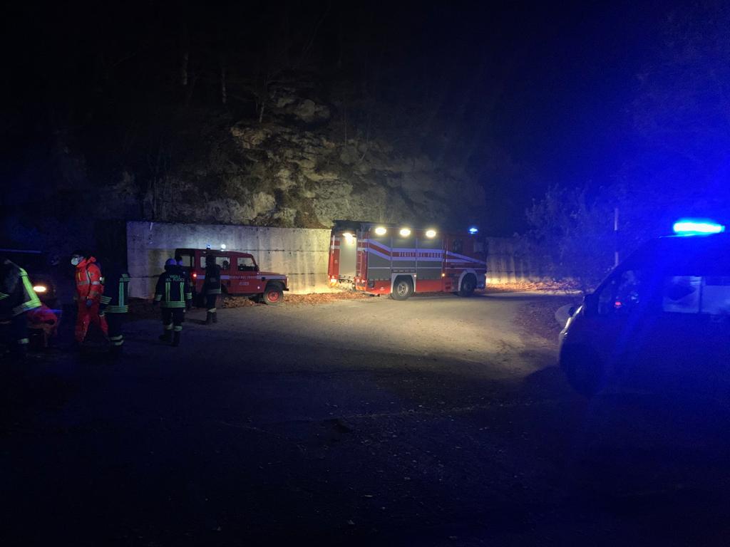 Tragedia a Capistrello: va a fare la legna in montagna e muore schiacciato da un trattore