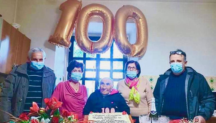 Civitella Roveto in festa, Arcangela Persia oggi compie 100 anni