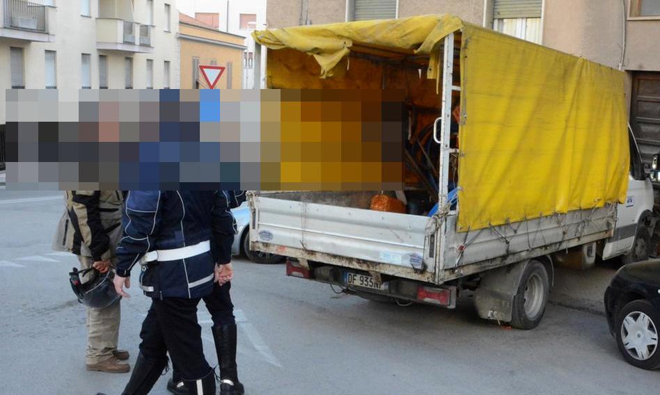 Si introducono all'interno della scuola per un furto, confessano dopo essere stati fermati dalla Polizia Locale di Avezzano