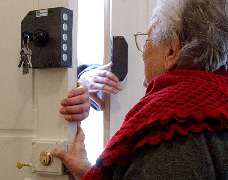 Tentata truffa del pacco ai danni di due anziani, scatta l'allarme a Trasacco