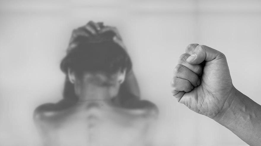 """Cronaca dei femminicidi, il codice deontologico dei giornalisti introduce il """"rispetto di genere"""""""
