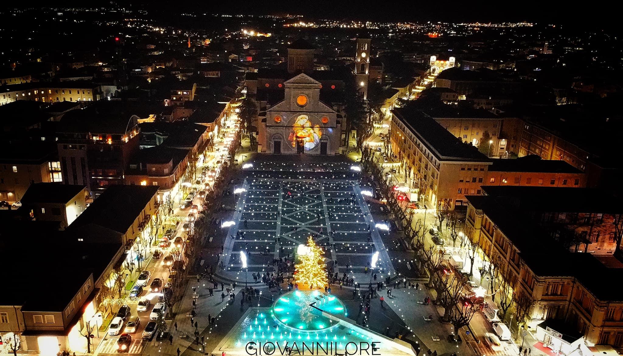 Inaugurate le luminarie natalizie, gli auguri del Sindaco a tutta la Città