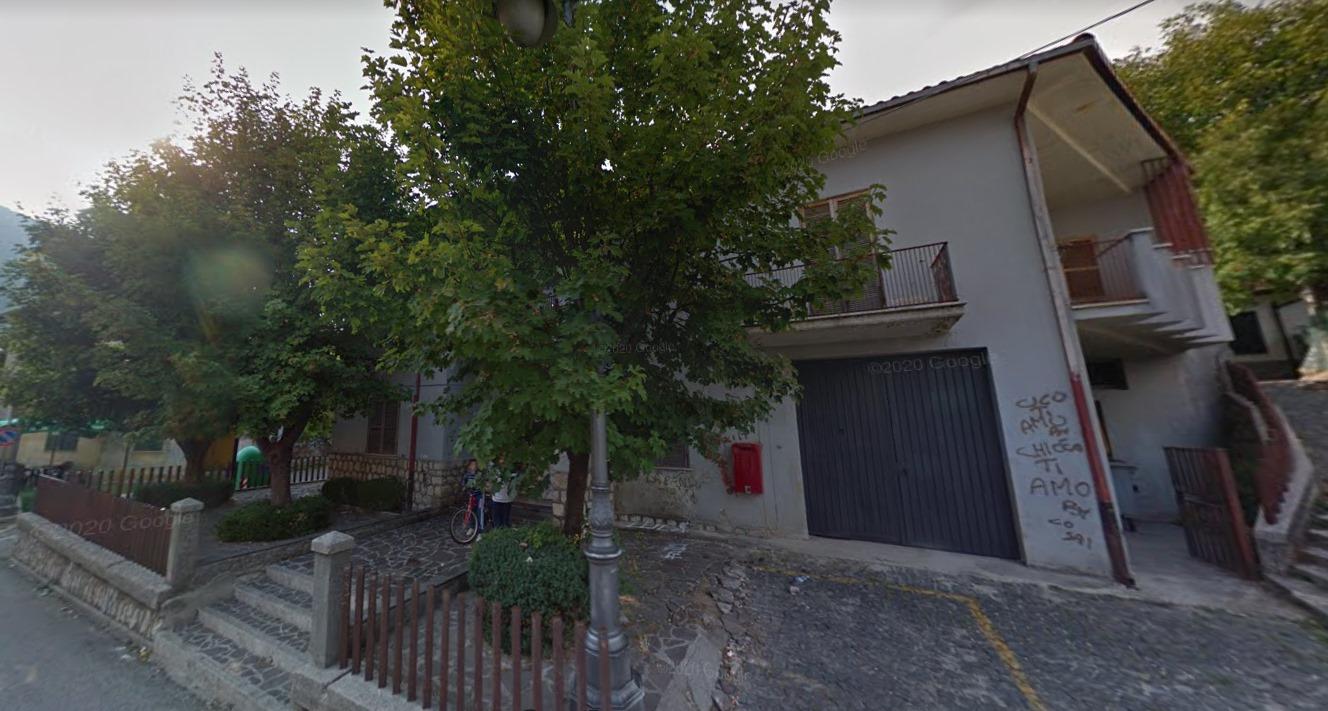 Il vecchio Municipio di Castellafiume verrà demolito