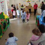 Prime consegne dei regali di Natale ai bambini di Ovindoli