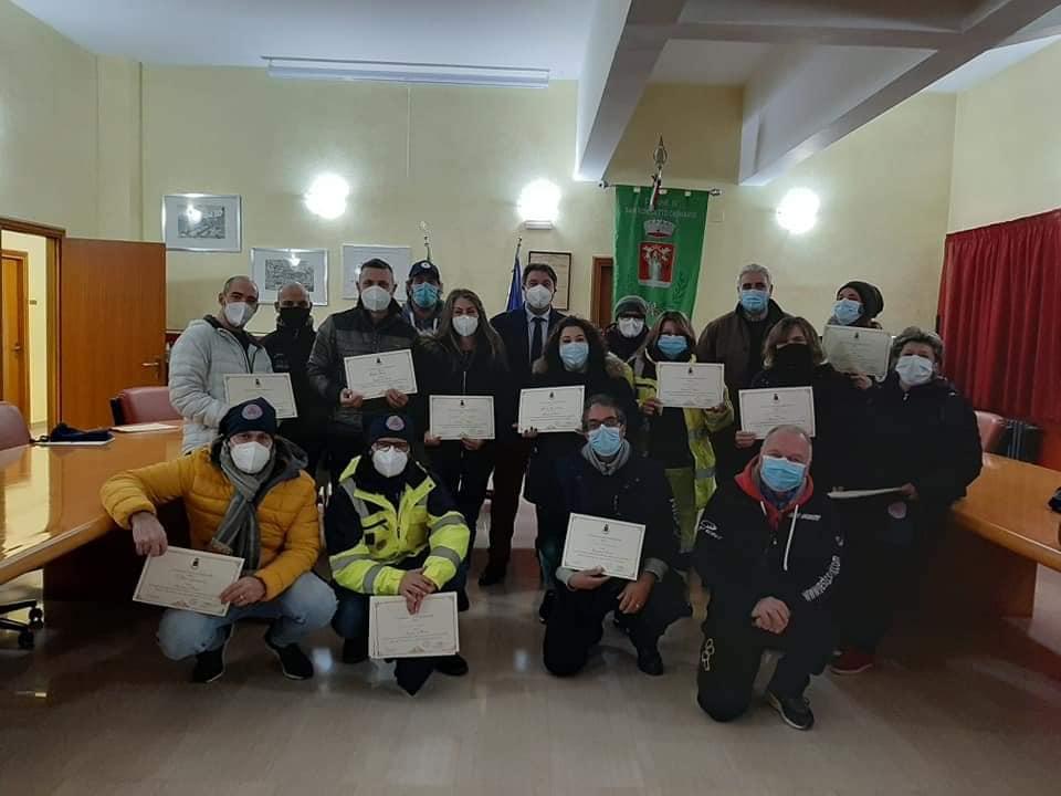 """Il Comune di San Benedetto dei Marsi conferisce gli """"Attestati di Merito"""" ai volontari della Protezione Civile locale"""