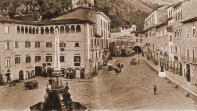 Tagliacozzo - Piazza dell'Obelisco -1913