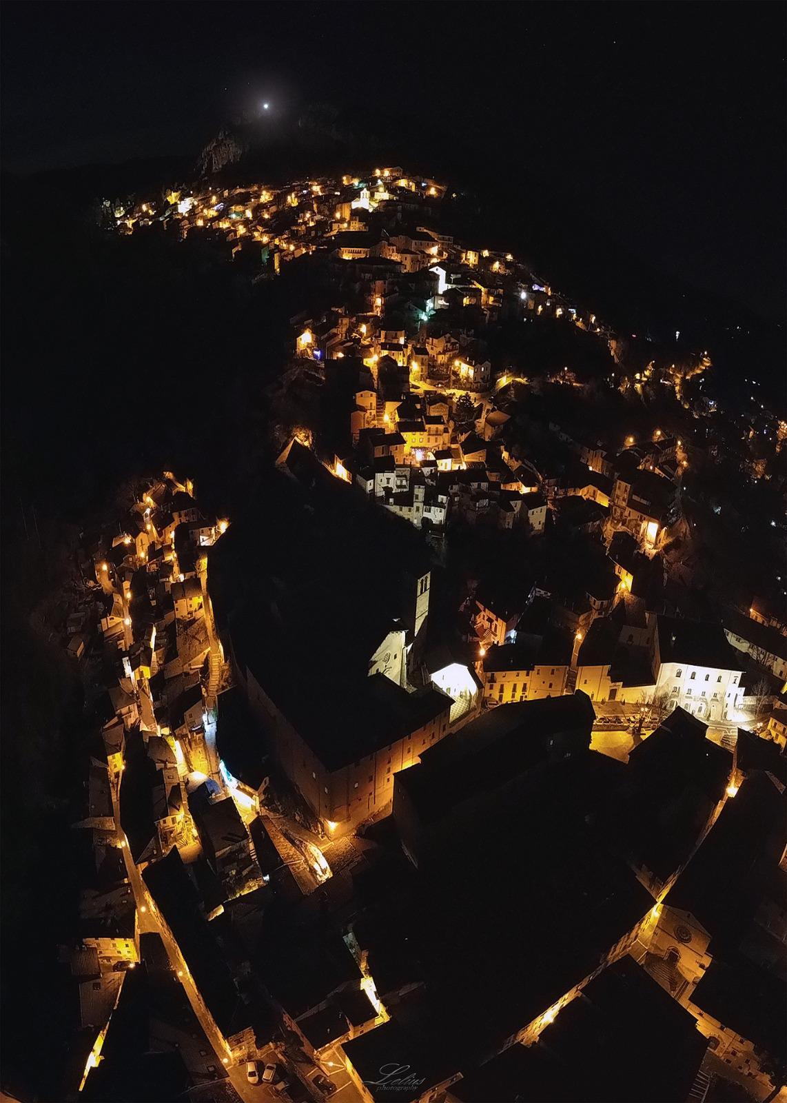 La storia di Natale: una luce sul monte Civita a Tagliacozzo nel ricordo di chi non c'è più