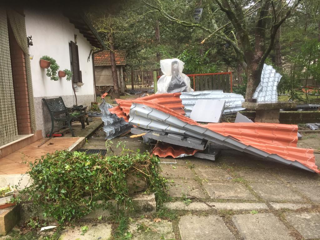 Danni da maltempo in Marsica, numerosi interventi dei Vigili del fuoco per la pioggia e vento forte