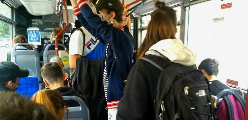 Ritorno a scuola e problema trasporti: orari scaglionati, potenziamento corse e più controlli