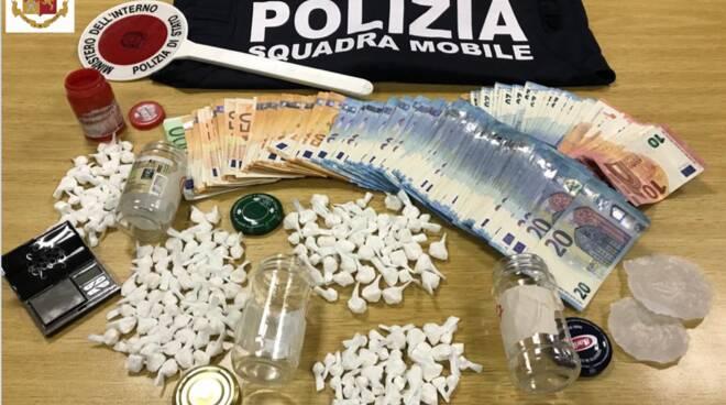 Tre magrebini trovati con un chilo di droga e quasi sedicimila euro in contanti