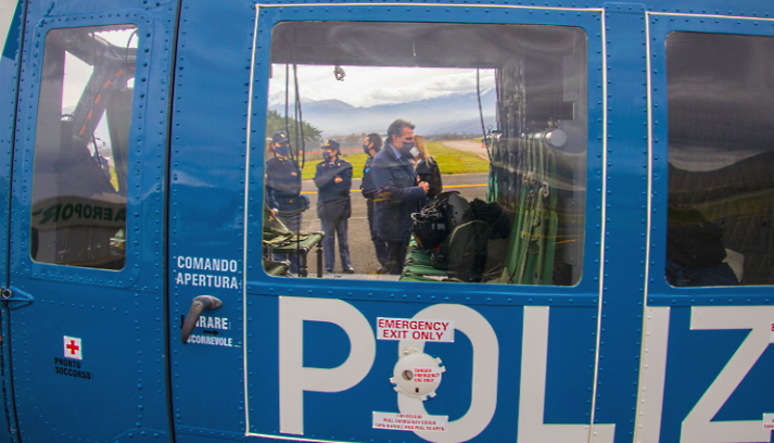 Elicottero della Polizia di Stato per la gestione della sicurezza pubblica durante lo screening di massa