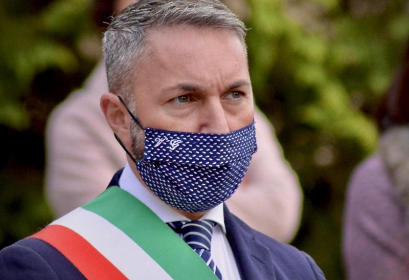 Il Sindaco di Tagliacozzo, Vincenzo Giovagnorio, partecipa al sit-in davanti all'Ospedale di Avezzano il 18 dicembre