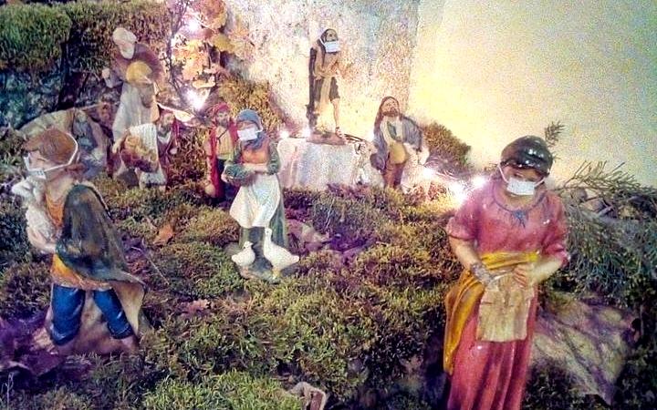 Le statuine del presepe di Ortona dei Marsi quest'anno indossano la mascherina