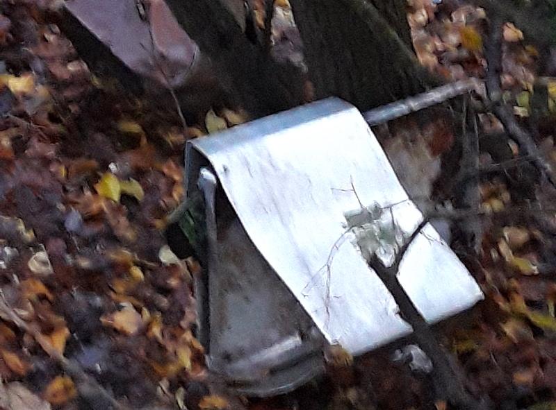 Distrutta la postazione di ristoro per scoiattoli della Riserva del Monte Salviano