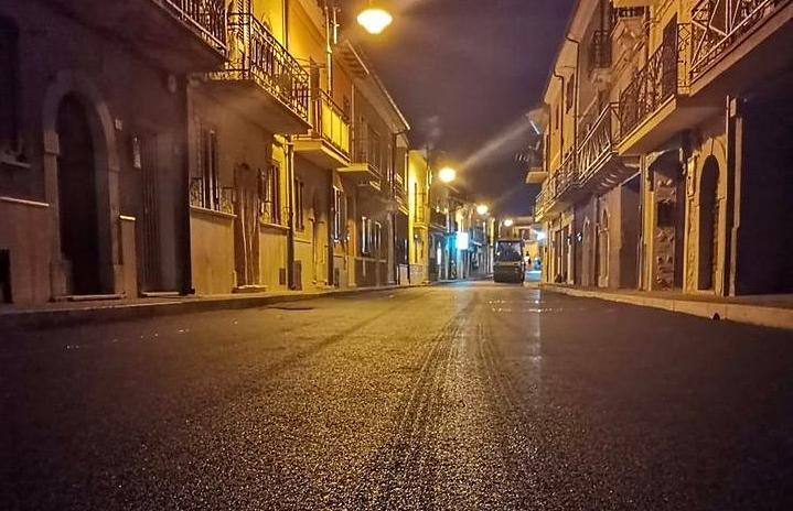 Terminati i lavori di rifacimento di via Napoli, la strada centrale di Castellafiume