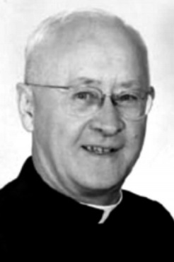 Padre Everett Francis Briggs