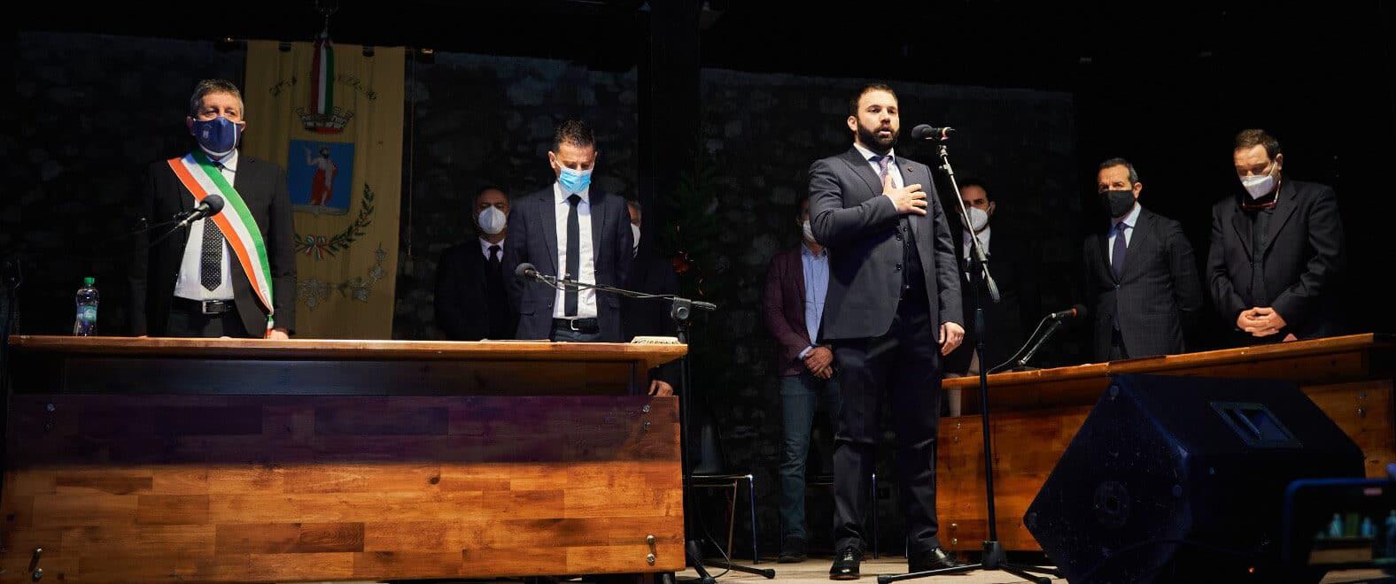 Il tenore marsicano Aleandro Mariani apre la cerimonia di commemorazione delle vittime del terremoto del 1915