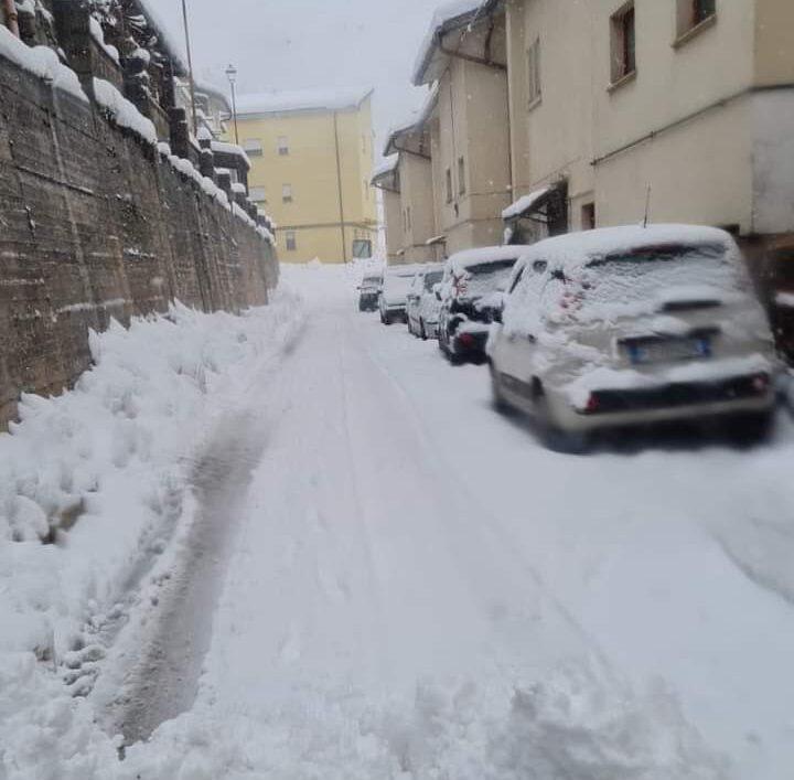 Emergenza neve a Castellafiume,
