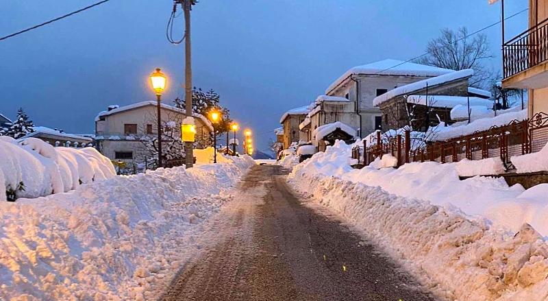 Emergenza neve e rischio valanghe. A Civitella Roveto il Sindaco vieta escursioni, fuori pista e luoghi pericolosi