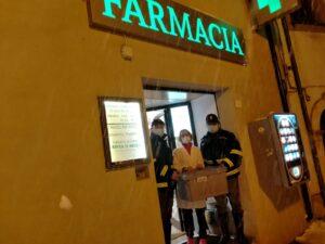 Trasporta farmaci ma rimane bloccato nella neve, interviene la Polizia Stradale di Avezzano che soccorre l'autista e provvede al trasporto dei farmaci